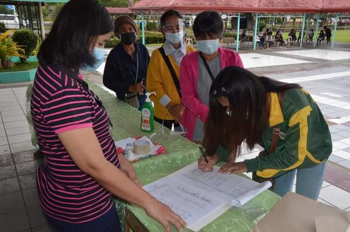 NV's new scholars sign scholarship agreement